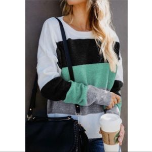 🖤💚ONE LEFT: SM✨ Green & Gray Color Block Sweater